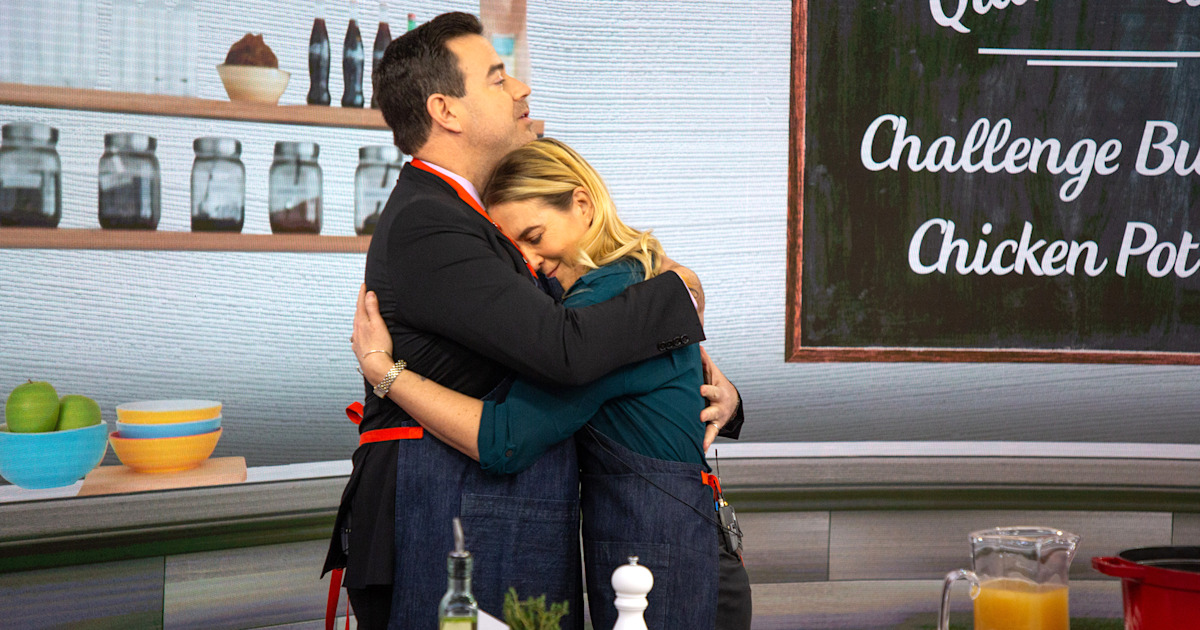 Carson Daly on sister's cross-country move after their parents died: 'We're all we have left'