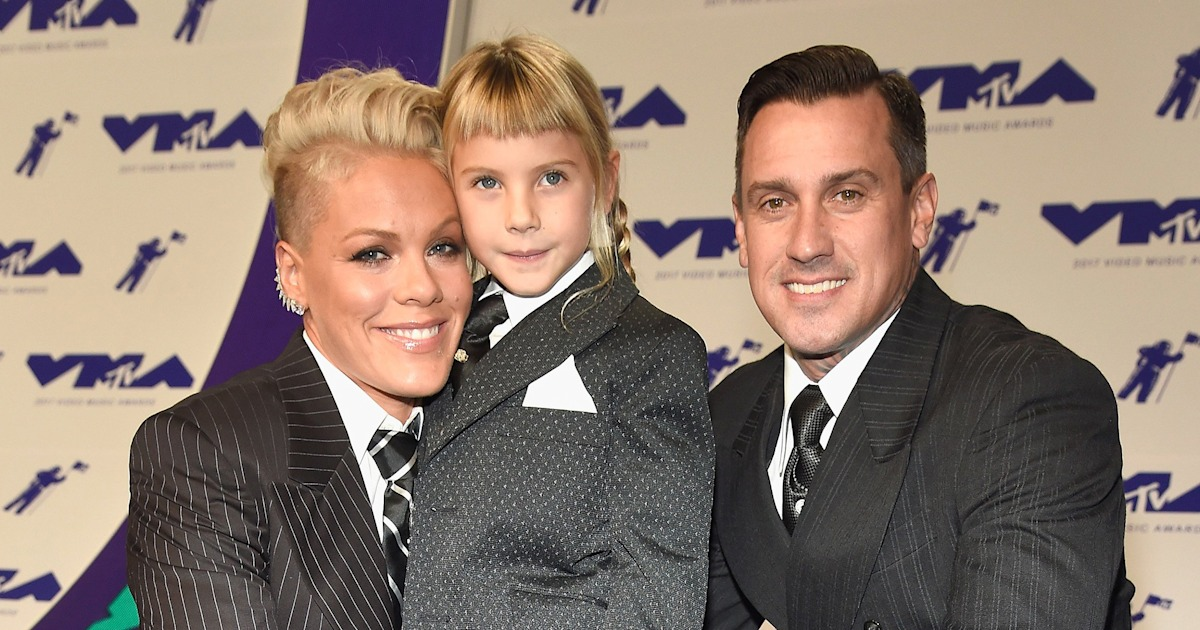 Pink's husband defends teaching daughter to shoot a rifle