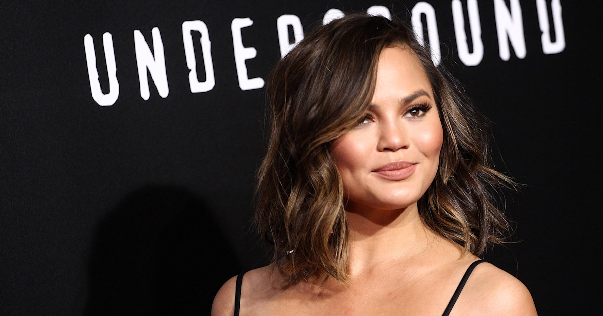 Chrissy Teigen skipped the Grammys last night to drink wine and film a makeup tutorial
