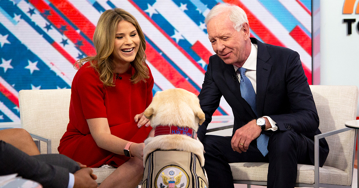 George H.W. Bush's service dog Sully meets hero pilot Chesley Sullenberger