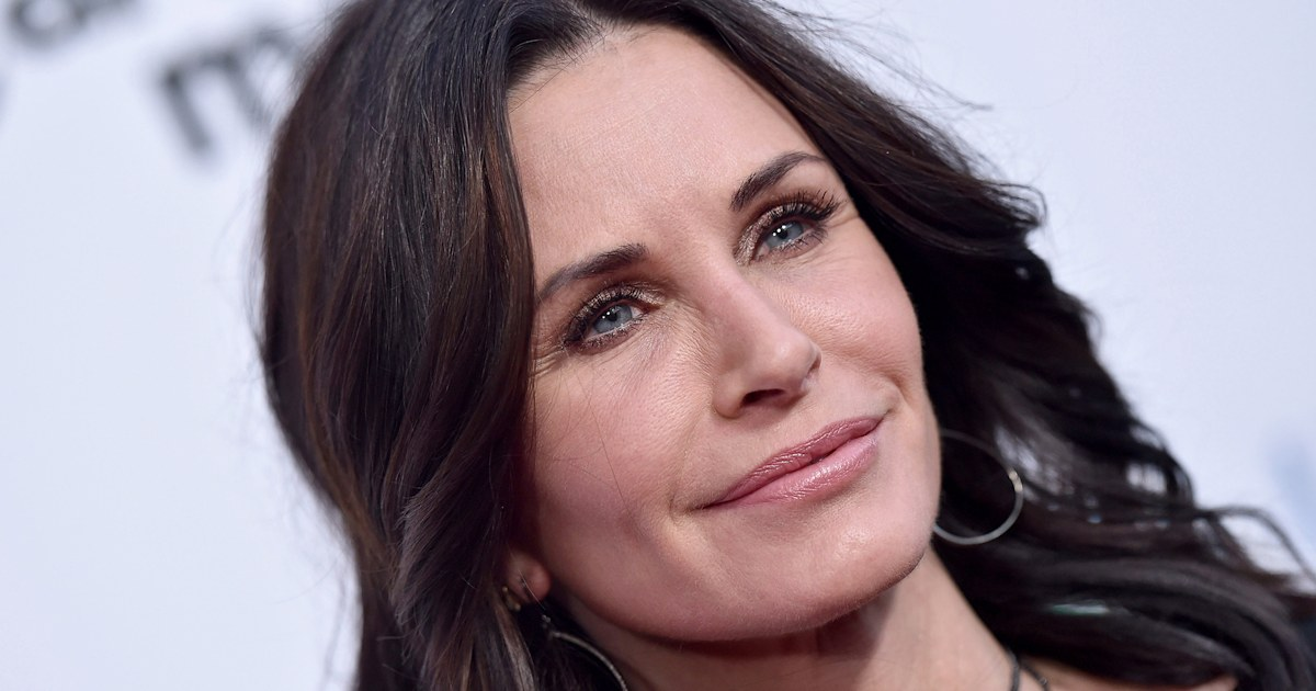 Courteney Cox texted her daughter during in-flight emergency