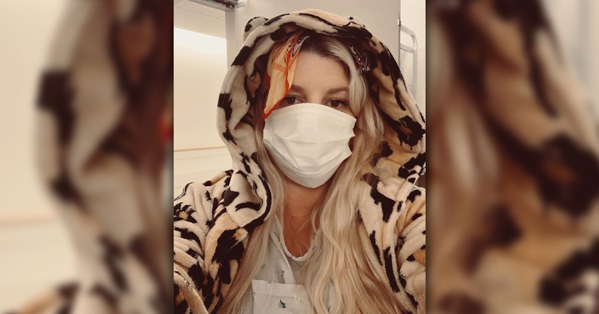 Pregnant Jessica Simpson returns home after week in hospital with bronchitis