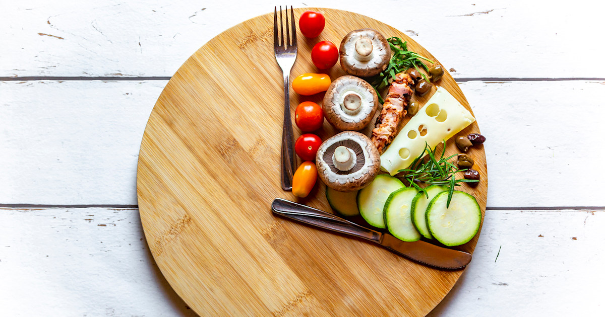 Intermittent fasting: Nutritionist discusses methods for ...