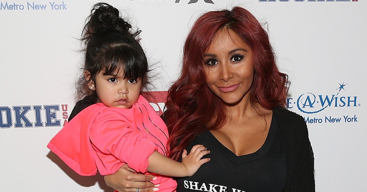 Snooki defends using a stroller at Disneyland for kids, ages 6 and 4
