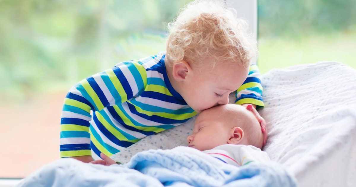 Birth order traits: Firstborns get intellectual advantage over younger siblings
