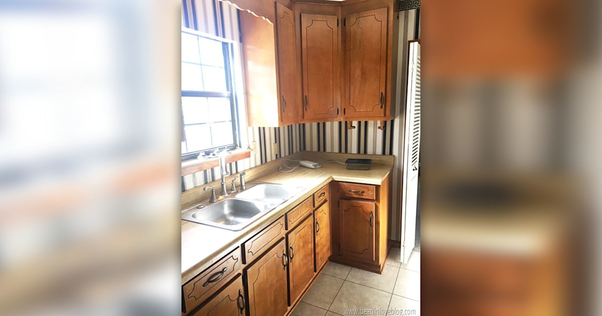 See this kitchen go from dated to delightful after a major makeover — for $160!