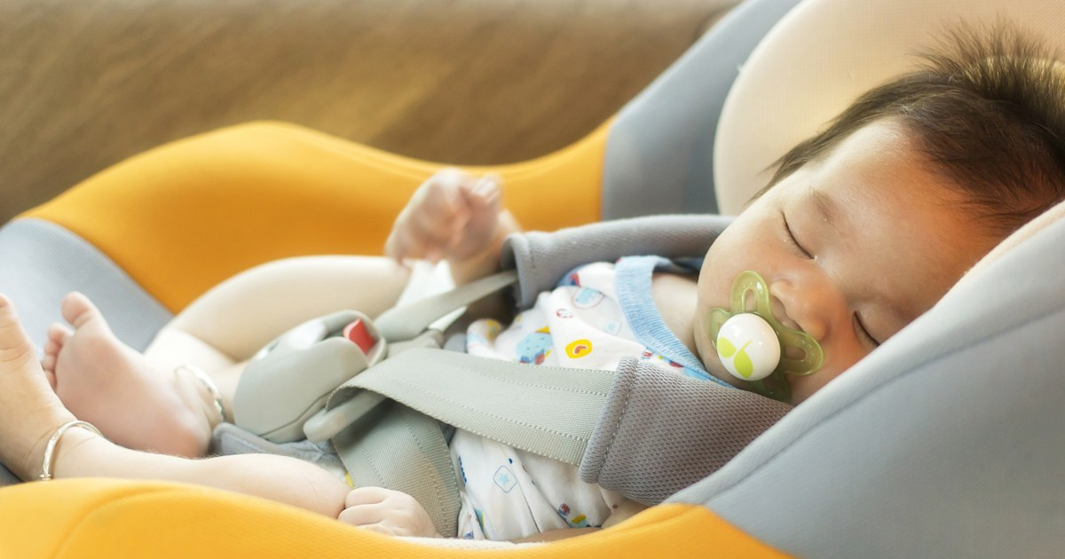Don't let babies sleep in car seats when not traveling, pediatricians warn