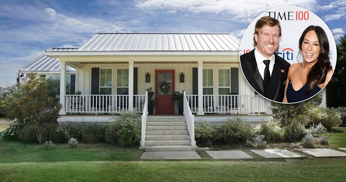 &39;Fixer Upper&39; producer is selling the house Chip and ...