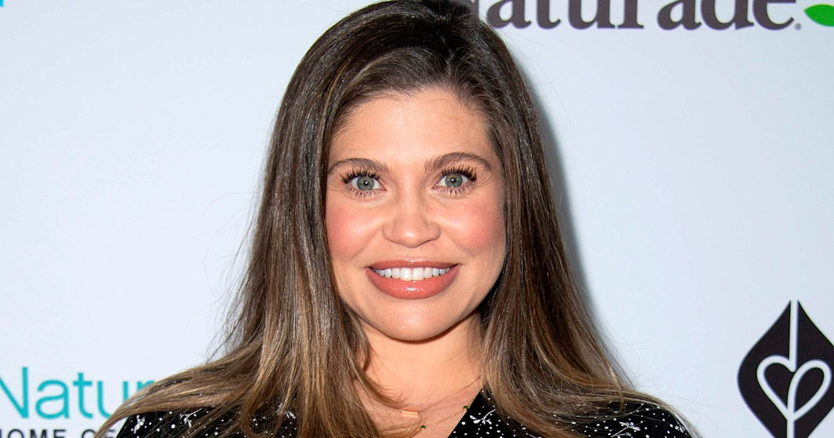 Danielle Fishel shares emotional post after welcoming son 4 weeks early