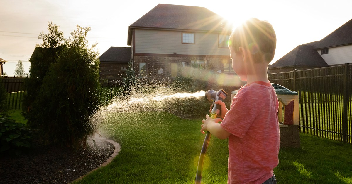 Heat wave danger: Baby burned by scalding water from outdoor garden hose