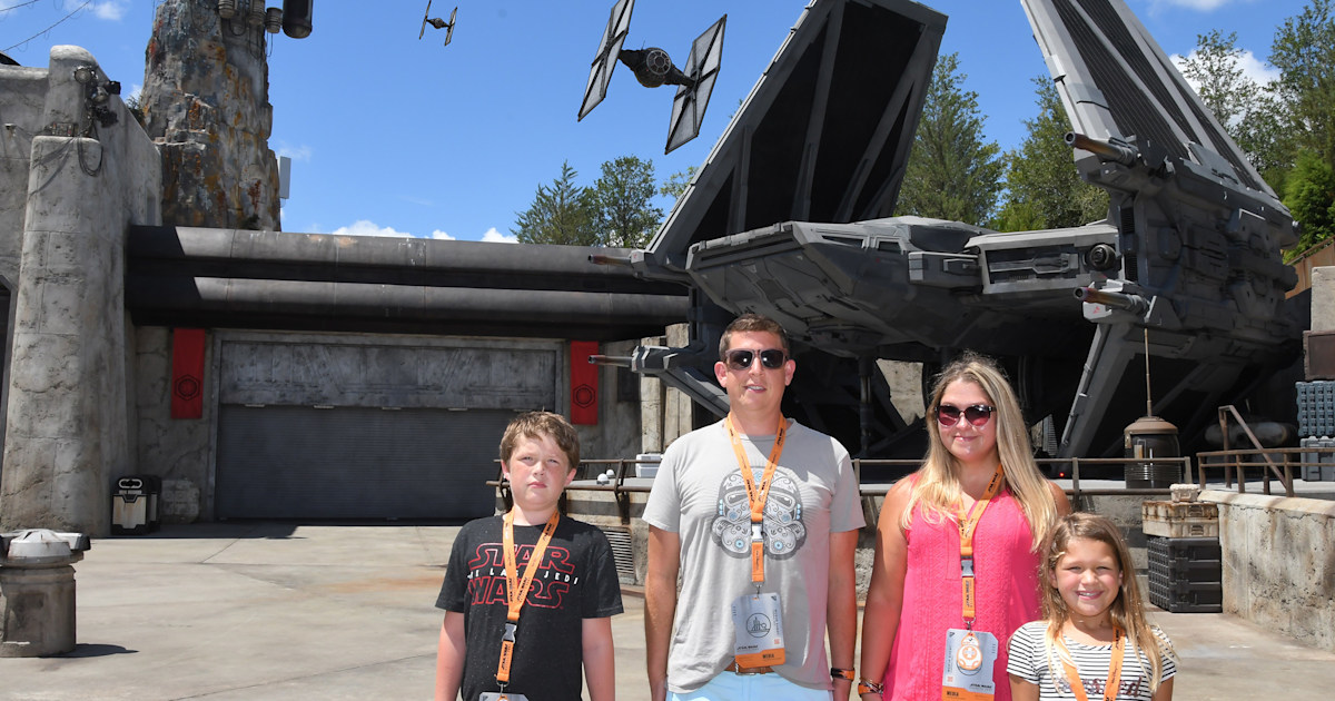 How to visit Star Wars: Galaxy's Edge at Disney with kids