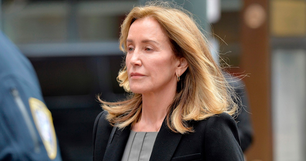 Prosecutors call for Felicity Huffman to spend 1 month in jail
