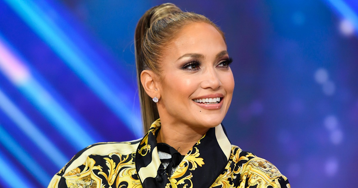 Jennifer Lopez surprises her son with goldendoodle puppy