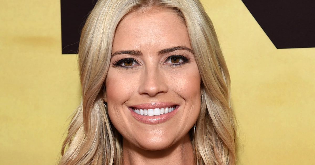 """Flip or Flop"" star Christina Anstead on how she looks at school drop-off"