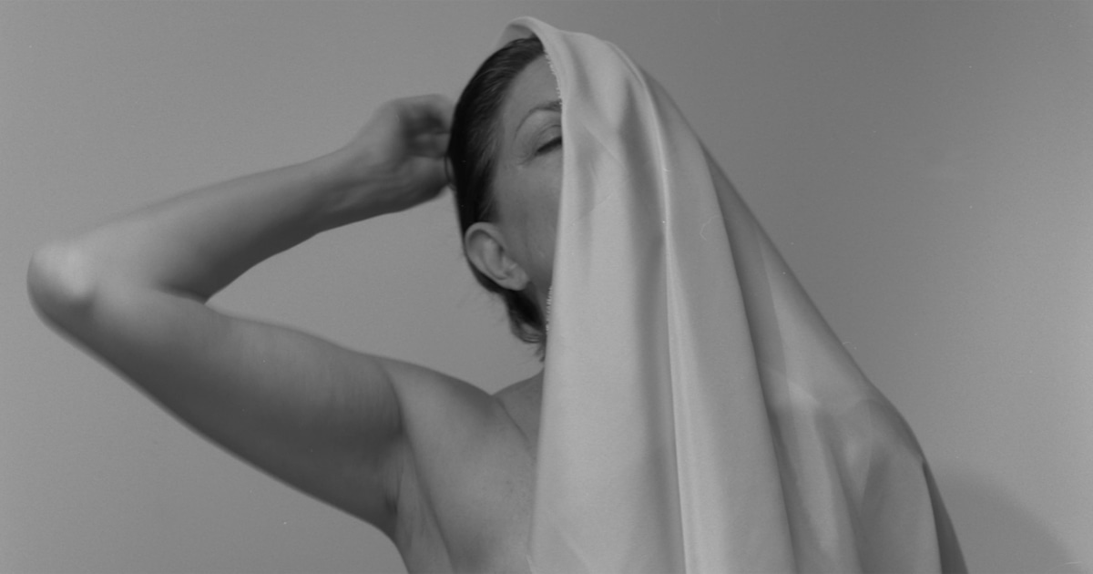 Intimate photos help 72-year-old breast cancer survivor embrace mastectomy scars