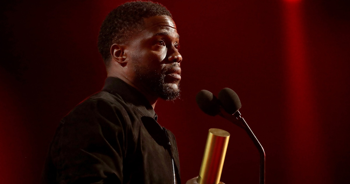 Kevin Hart honored at People's Choice Awards in 1st public appearance since crash - TODAY