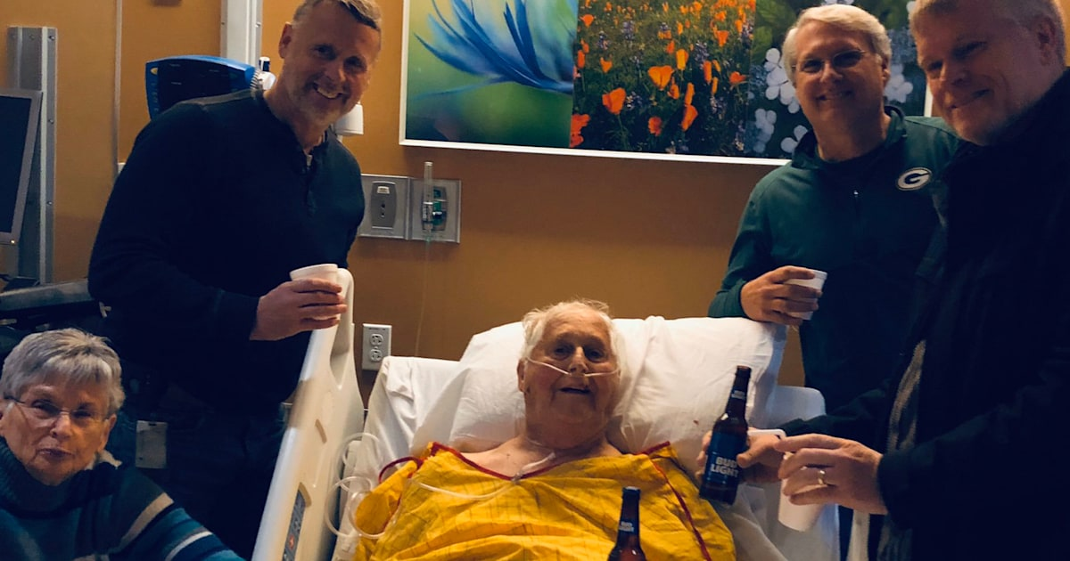 Dying dad shares final beer with sons in viral photo: 'That moment meant so much'