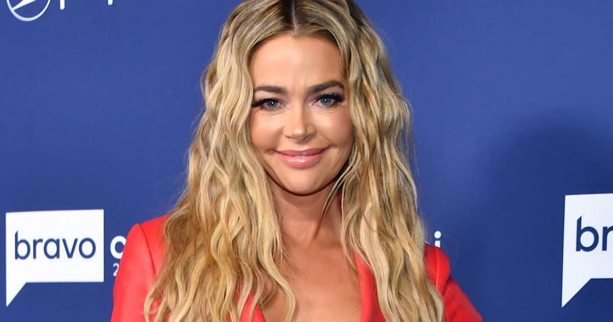 Denise Richards shares rare pic of entire family in festive new holiday card