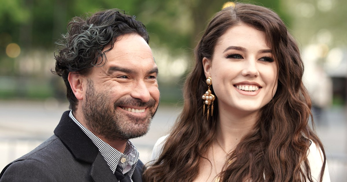 Johnny Galecki and girlfriend Alaina Meyer welcome 1st child