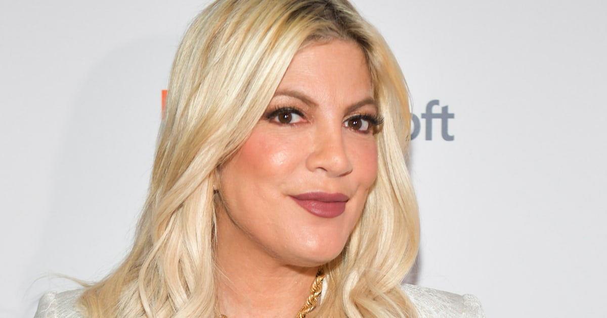 Tori Spelling pokes fun at tabloid rumors about her in hilarious video