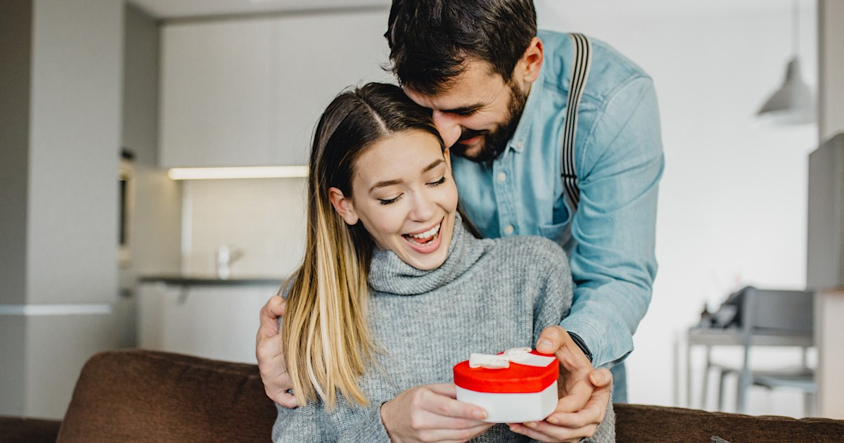 4 unique gift ideas for your spouse that are anything but cheesy