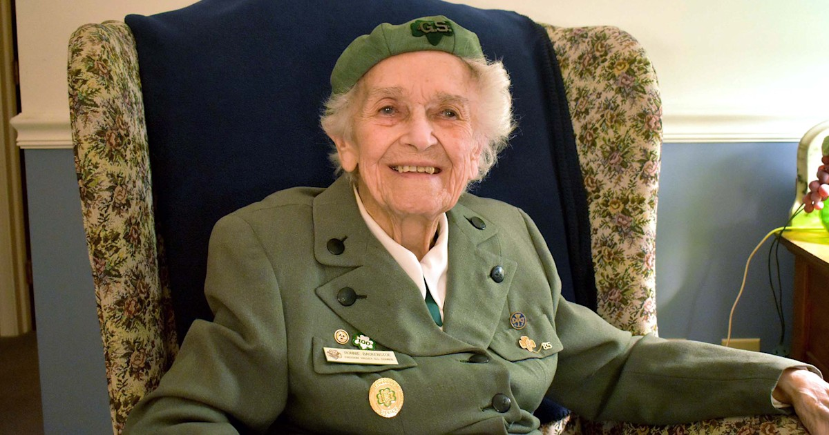 This 98-year-old Girl Scout has been selling cookies since 1932