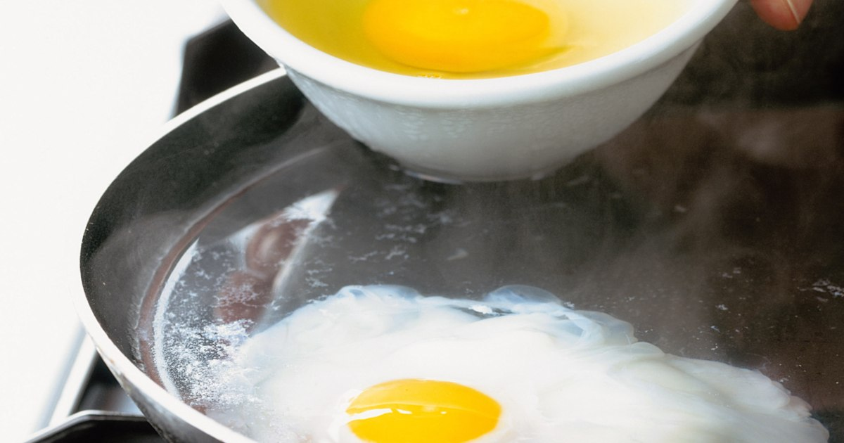 This is the secret to making perfect poached eggs
