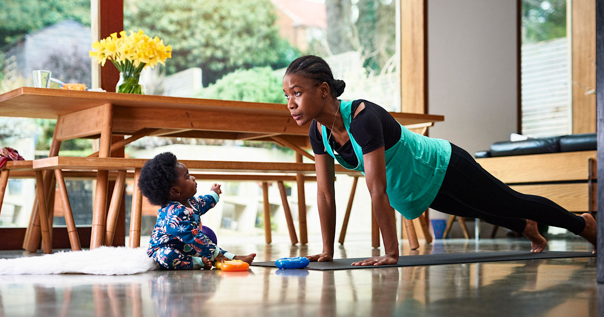 15 short and easy workouts you can do in your living room