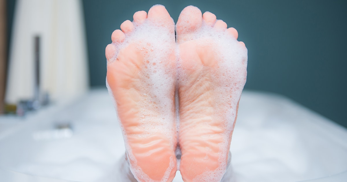 This strangely satisfying foot file removed my dry skin in just 5 minutes