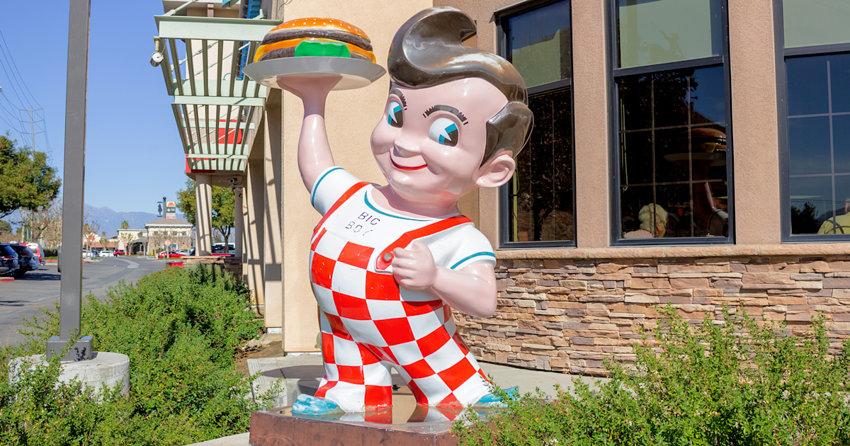 After 84 years, iconic Big Boy restaurant mascot is being replaced with a girl