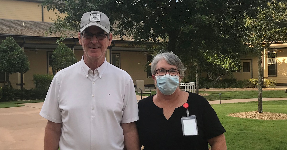 Wife takes job as dishwasher to see husband in memory care center during COVID-19 pandemic