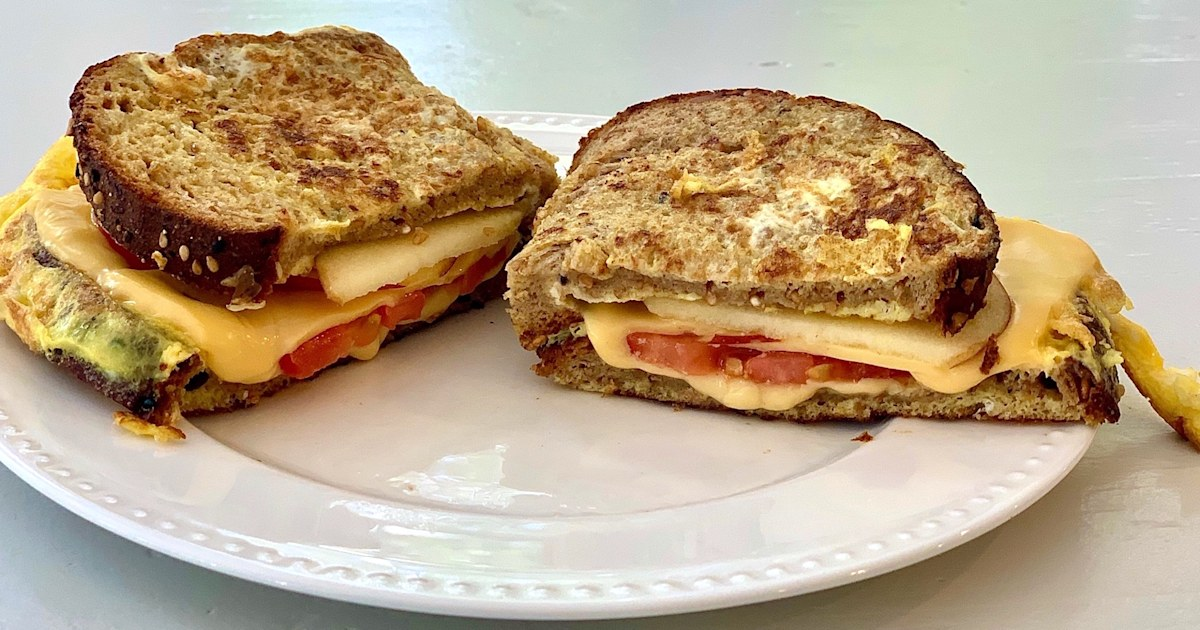 Joy Bauer makes a protein-packed grilled cheese with eggs