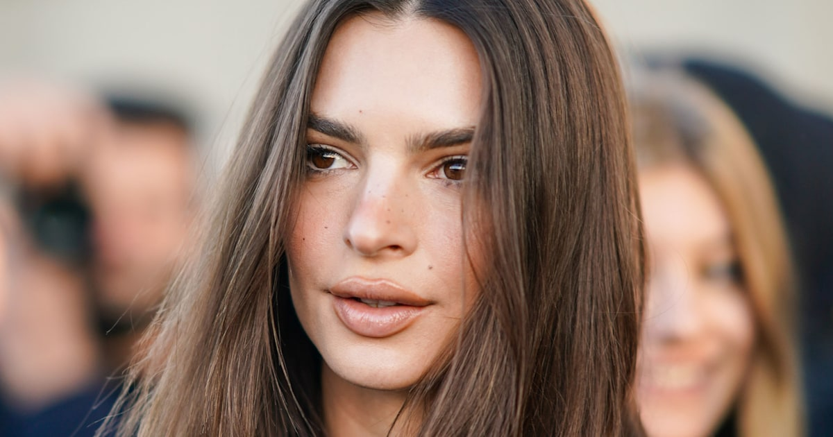 Emily Ratajkowski says photographer touched her inappropriately in new essay