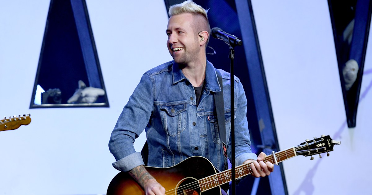 How Christian singer's life has changed since revealing he no longer believes in God