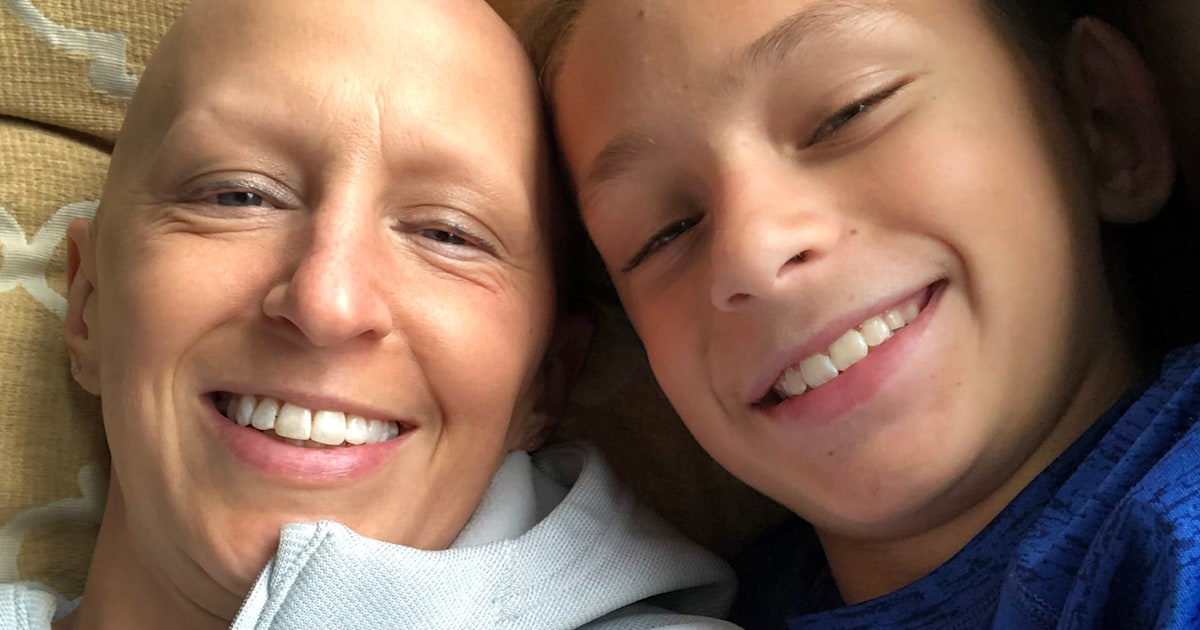 'Like mosquito bites': Mom, 41, shares unusual sign of breast cancer