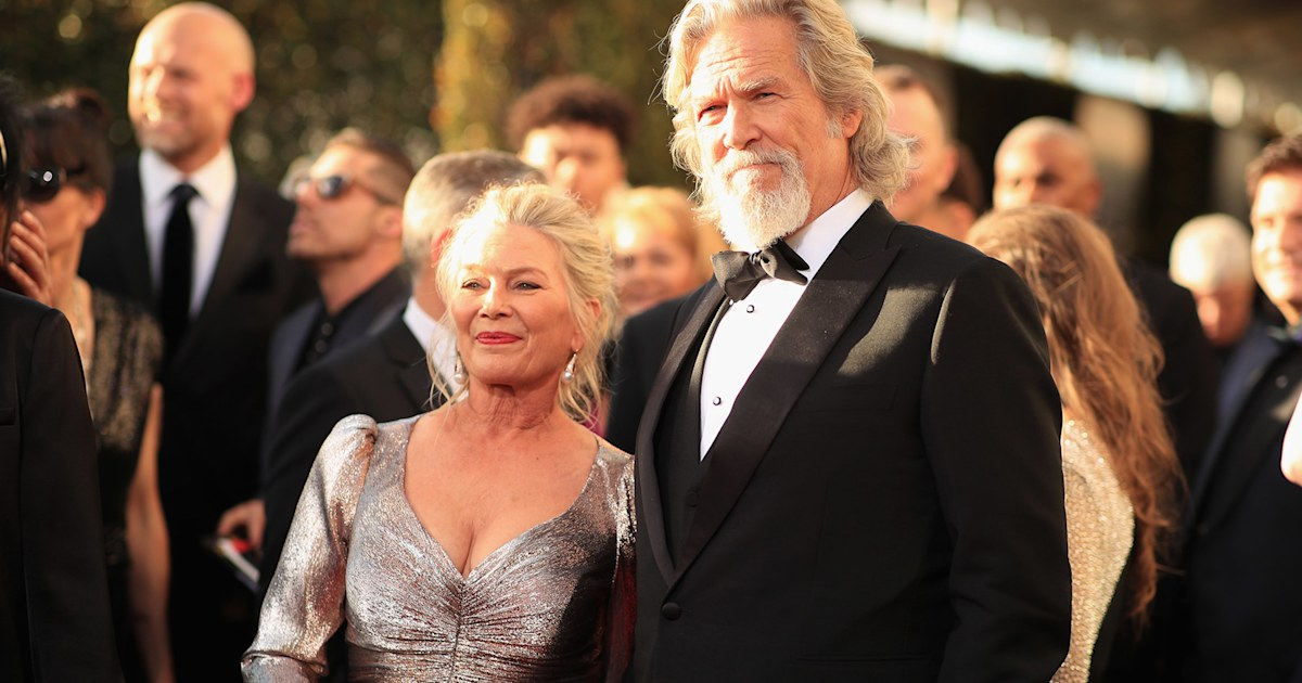 Jeff Bridges carries this photo in his wallet from day he met his wife 45 years ago