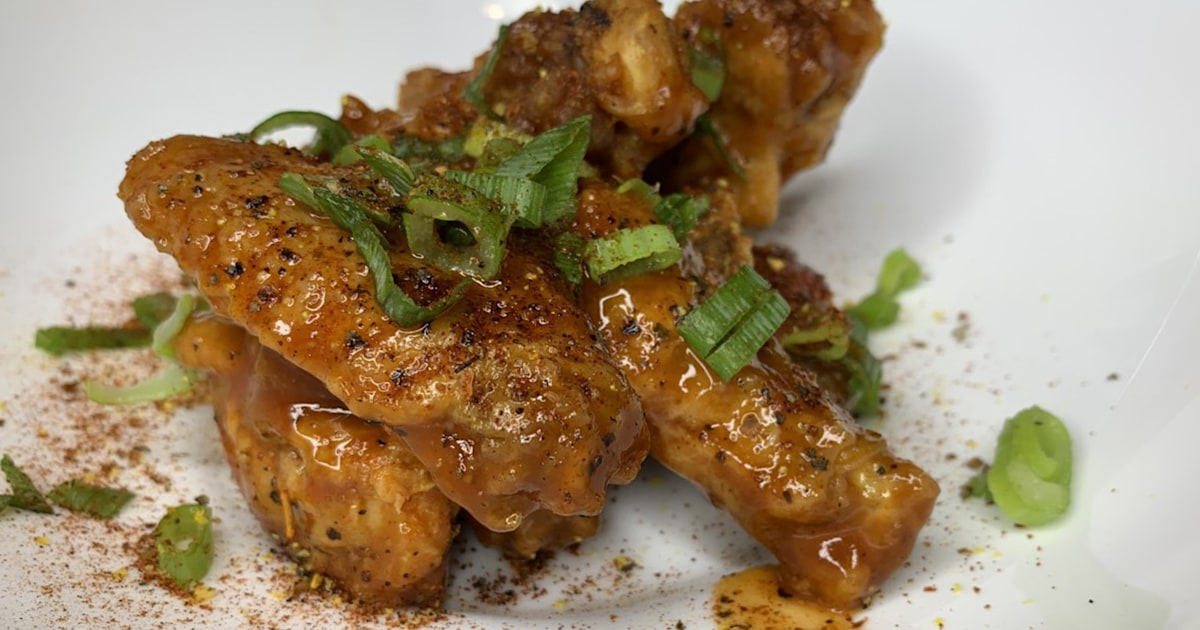 How to make super crispy chicken wings and sweet potato fries in the air fryer