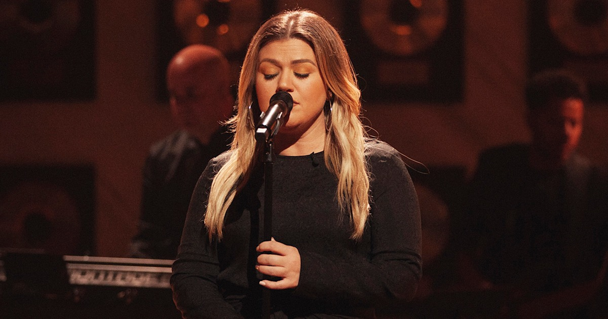 Kelly Clarkson wants 'A Little Respect' in cover of '80s dance hit