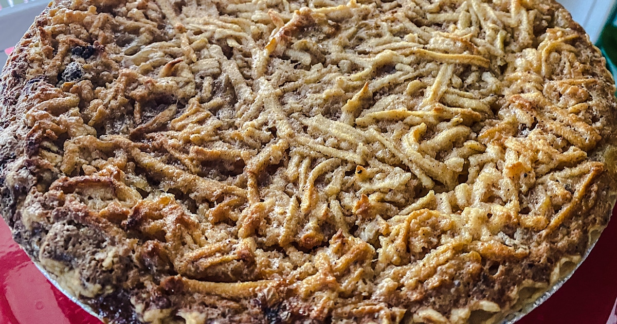 This Reddit-famous apple cream pie is the perfect Thanksgiving dessert