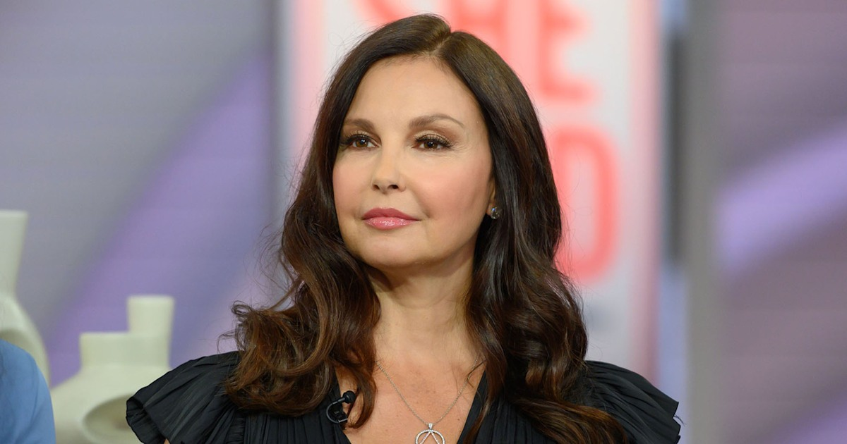 Ashley Judd says she's 'drowning in trauma,' shares new photos - TODAY