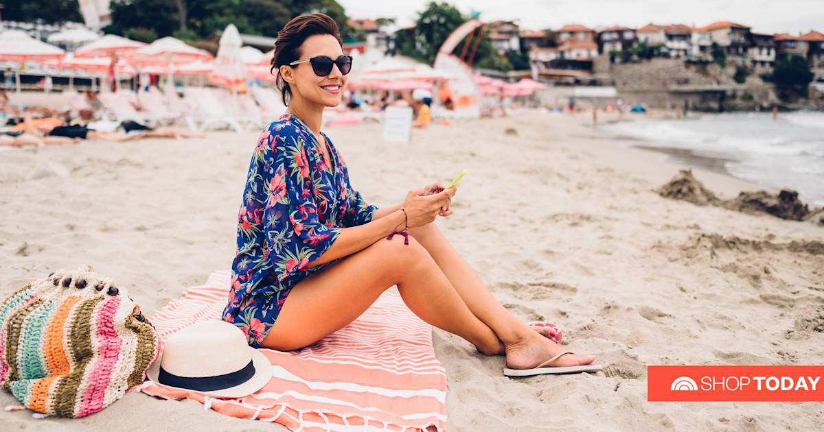 This sand-resistant towel will revolutionize your next beach trip