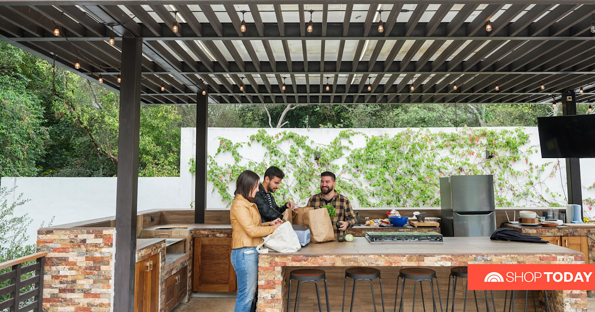 How to create the perfect outdoor kitchen, according to design experts