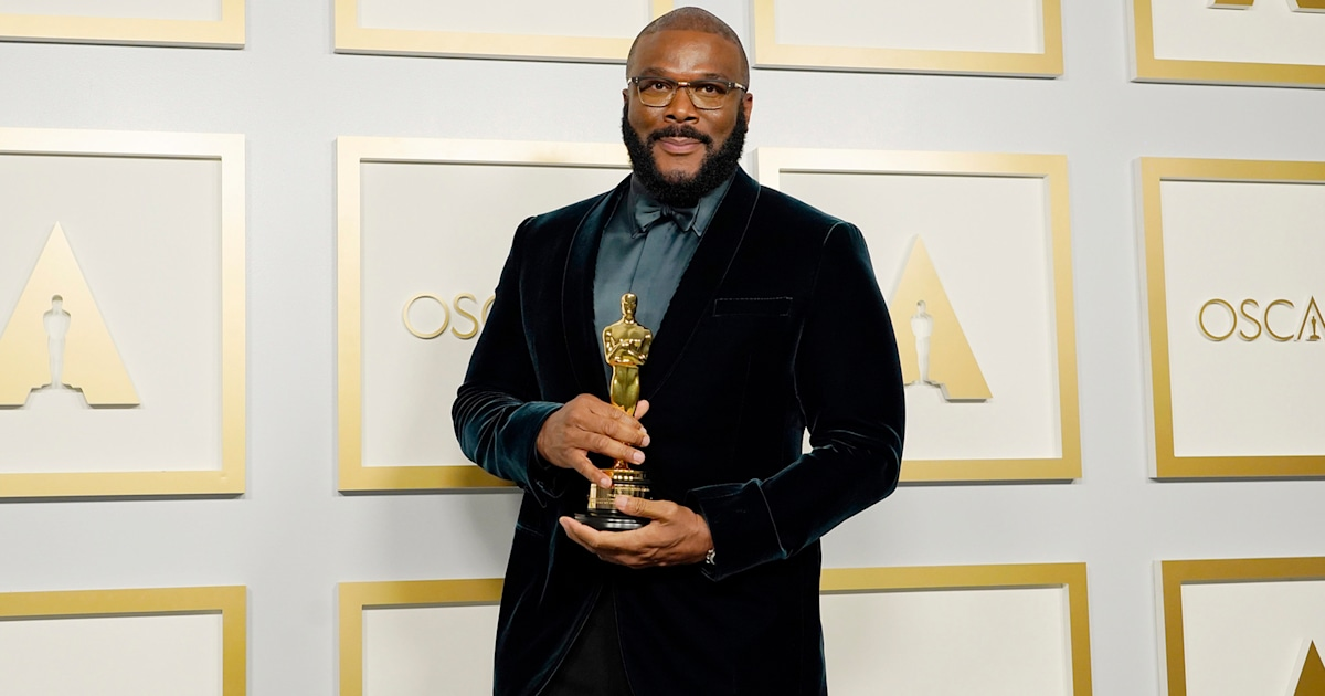 Tyler Perry gives powerful speech about 'refusing to hate' at 2021 Oscars