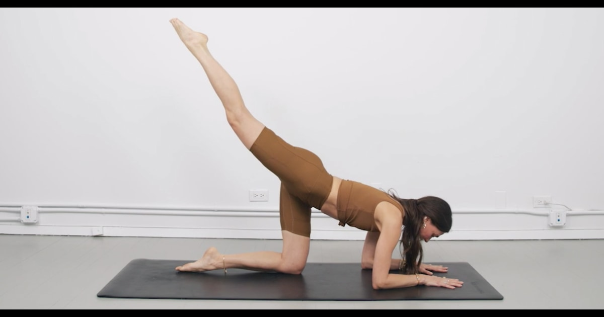 This yoga flow will tone your whole body in 10 minutes