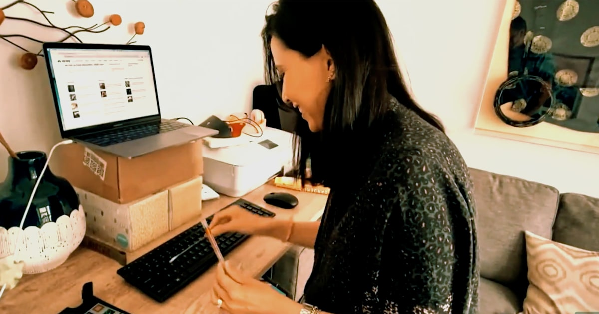 How many germs are on your desk at home? This test gives an eye-opening look
