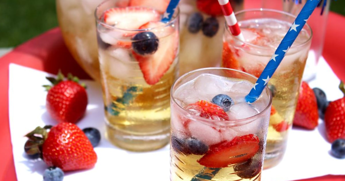 10 red, white and boozy cocktails for your 4th of July celebration