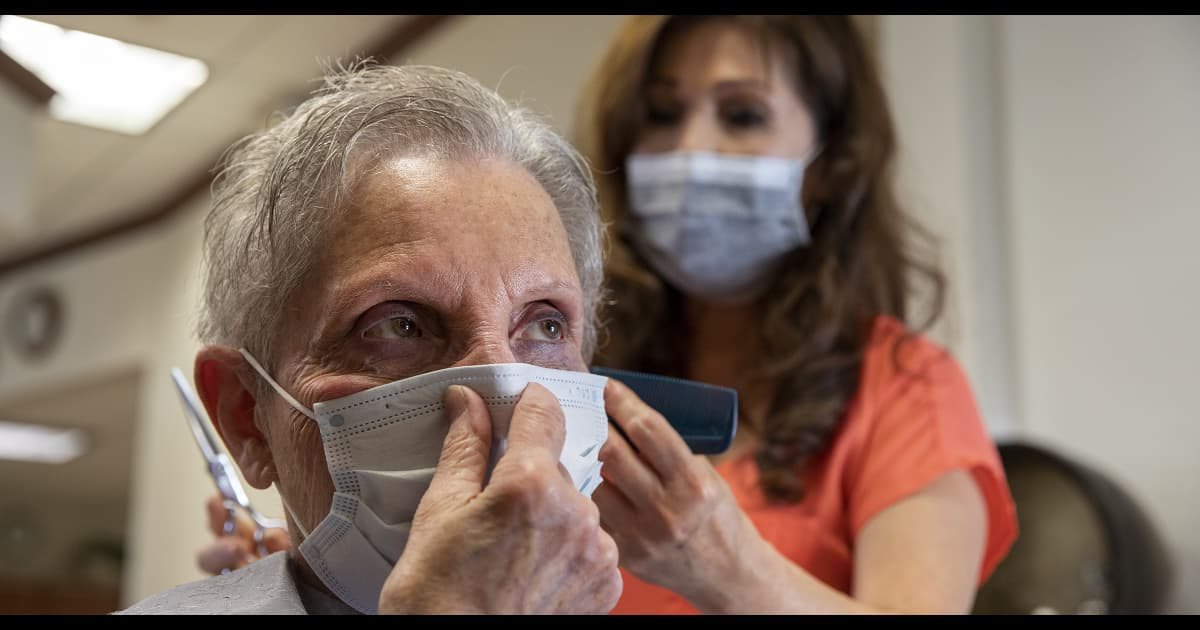 Here's the science that convinced the CDC to lift mask mandates