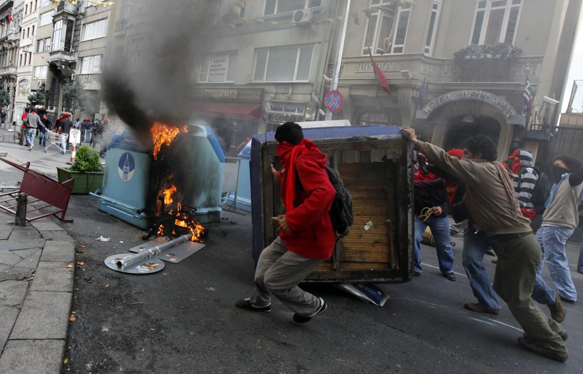 Беспорядки в Турции 3