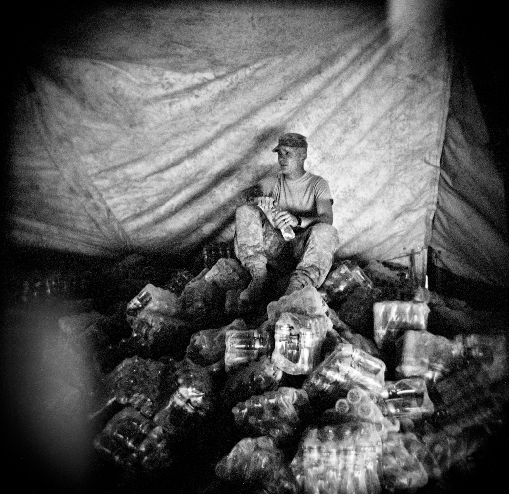 Living in the combat zone - Slideshows and Picture Stories