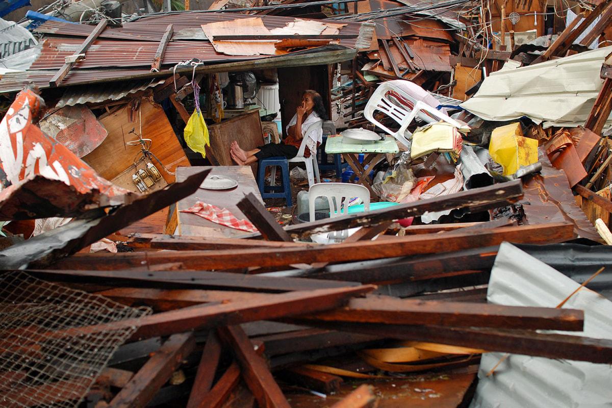 ss-131112-typhoon-haiyan-001.ss_full